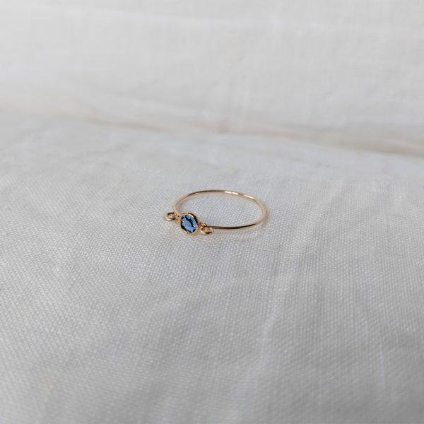 gold sapphire gem ring