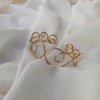 gold prevail bangle