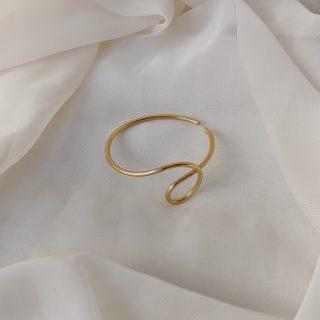 gold dynasty ear cuff