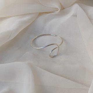 silver dynasty ear cuff