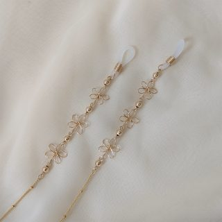 carnation glasses chain gold