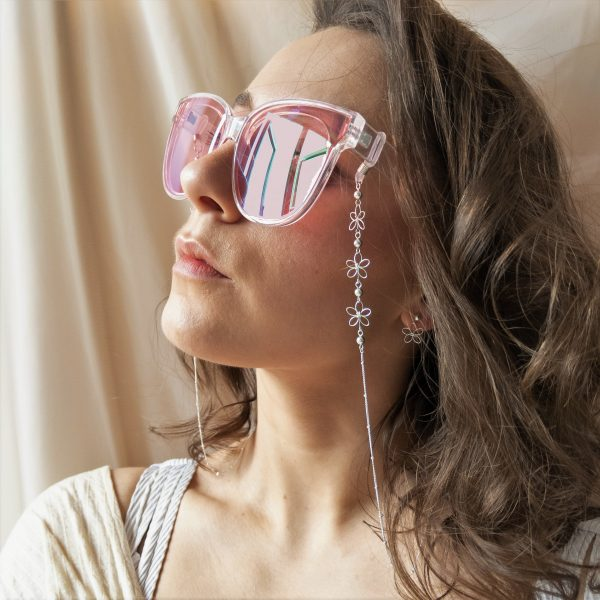 carnation glasses chain on model