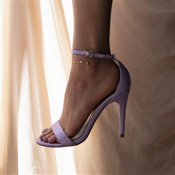 sea lavender anklet on model