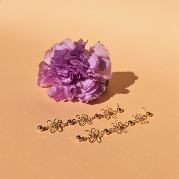 carnation earrings with flower