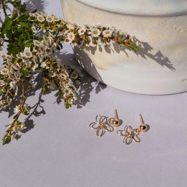 wildflower earrings with flowers