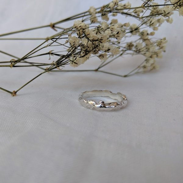 molten ring with flowers