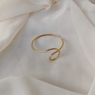 gold dynasty ear cuff