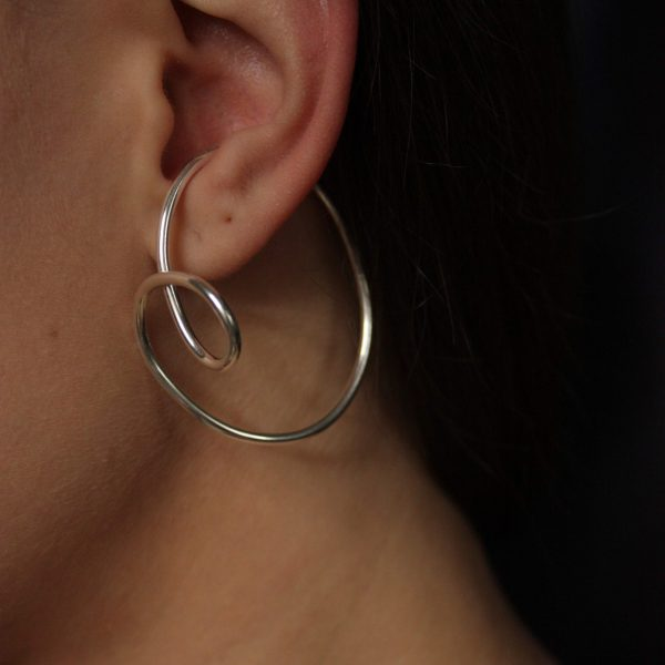 silver dynasty ear cuff on model