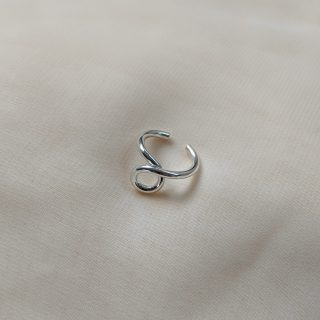 silver pinky ring with twist