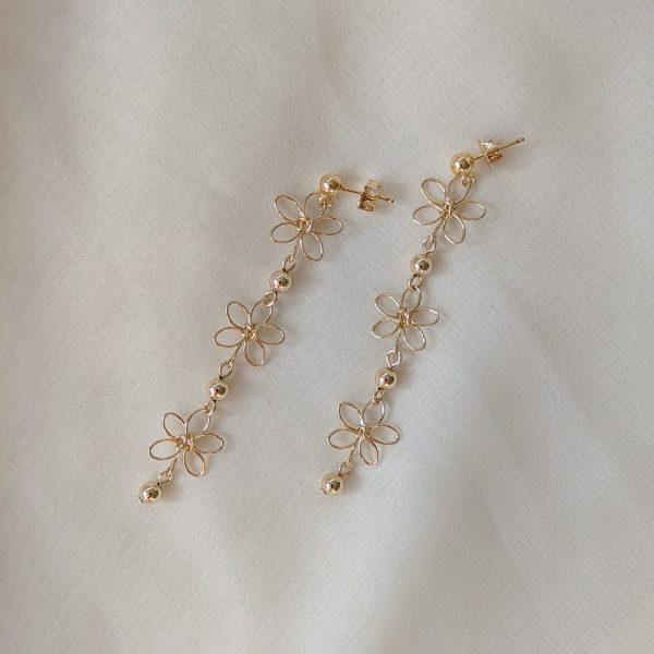 carnation earrings gold