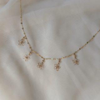 snapdragon necklace gold