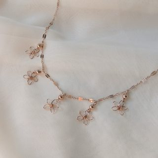 snapdragon necklace rose