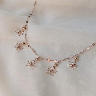 snapdragon necklace rose