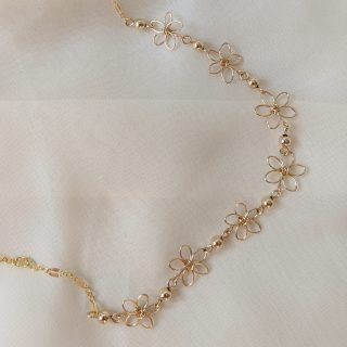 carnation necklace gold
