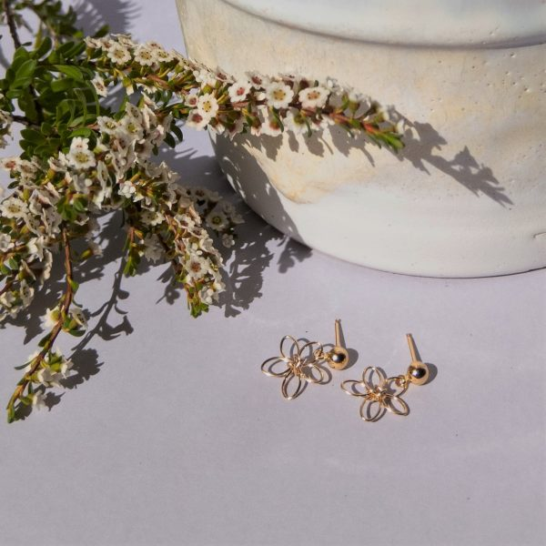 wildflower earrings with flowers