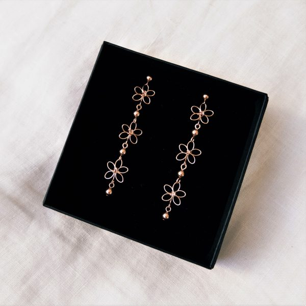 carnation earrings in gift box