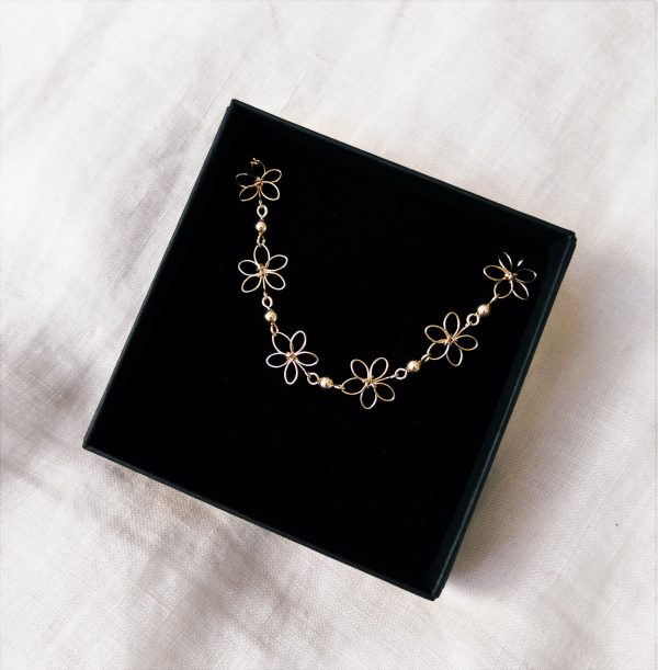 carnation bracelet in gift box