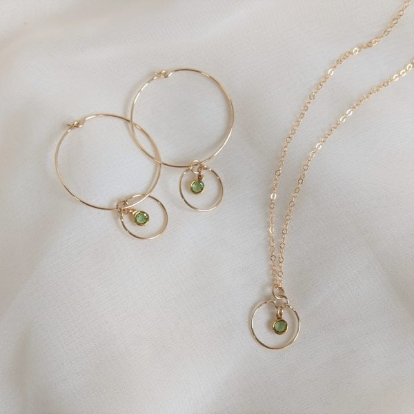 Gem hoops and necklace in gold peridot
