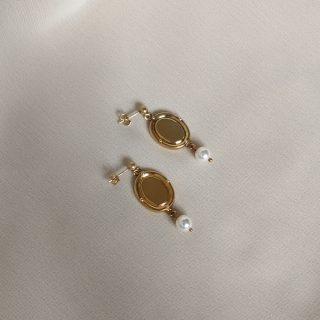 gold portrait earrings